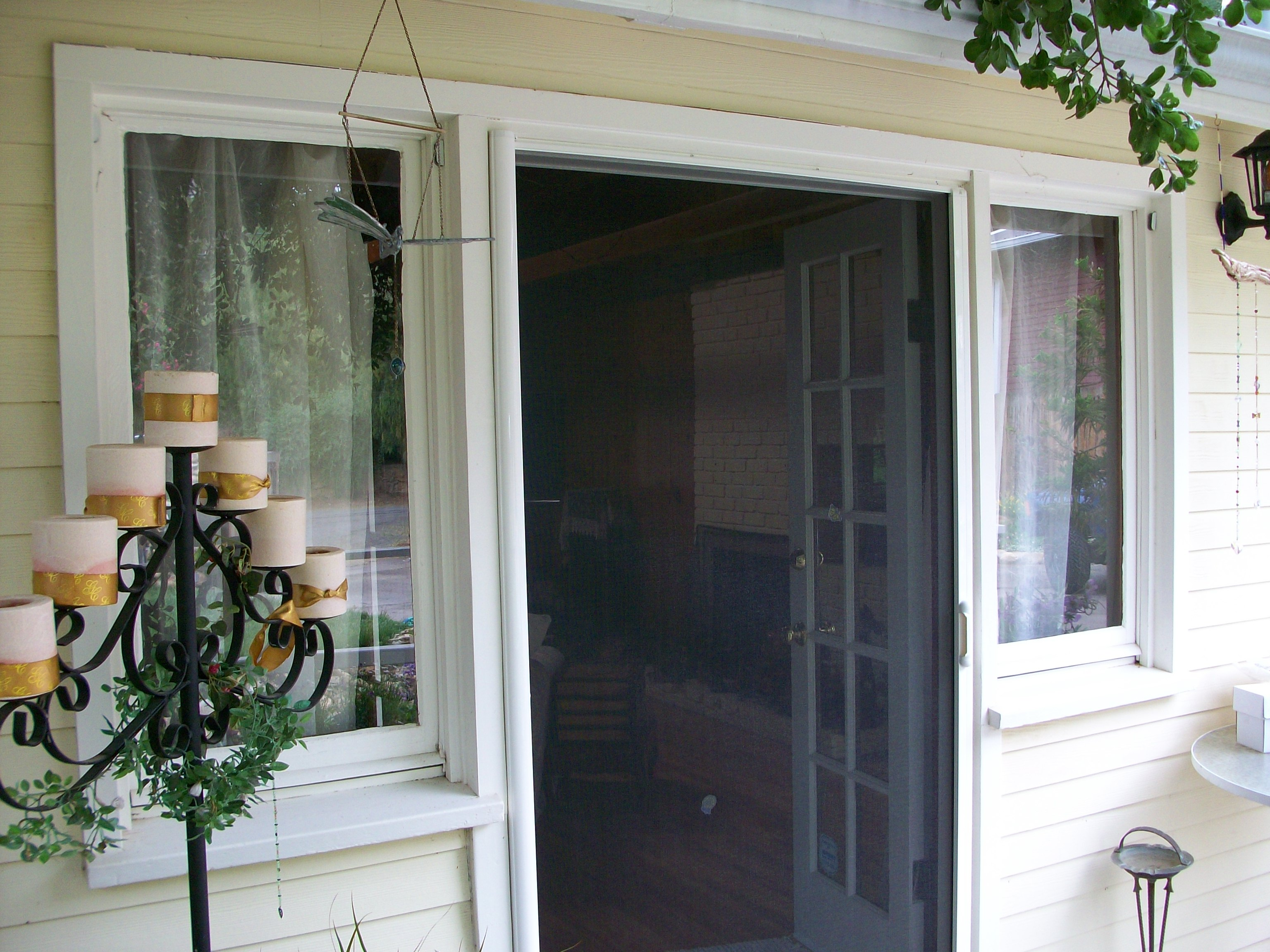 Seattle screen door repair replacement fix residential Screen door replacement