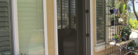 Seattle screen repair for retractable vinyl sliding patio doors